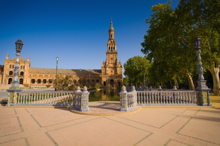 listed buildings: The Plaza de España is a Square  located in the Parque de María Luisa in Seville, Spain  Built in 1928 for the Ibero-American Exposition of 1929  It is a landmark example of the Renaissance Revival style in Spanish architecture  The Plaza de España, de Editorial