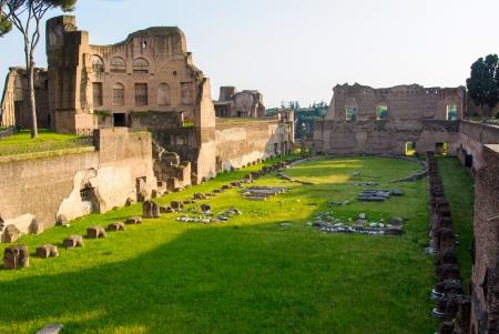 Oude Romeinse ruïnes van het Keizerlijk Paleis, op de Palatijn, Rome, Italië Stockfoto