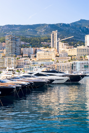 luxery: Luxery yachts in the Monte Carlo harbour, Monaco