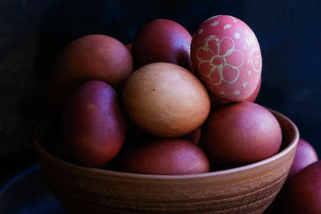 Painted Eggs in a Pottery Stockfoto