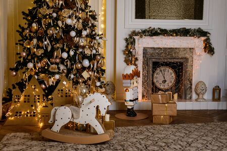 Atmosphere Christmas interior with many beautiful lights Archivio Fotografico