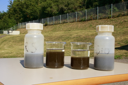 Comparison between sludge from an aeration tank and a recirculation sludge in a sewage treatment plant