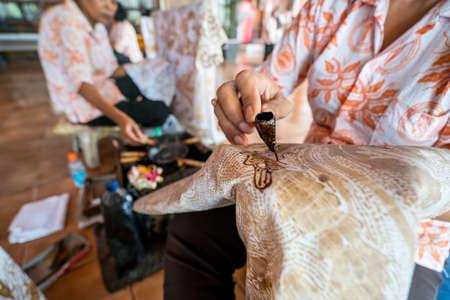 Hand drawn and hand sown dress, Handmade Standard-Bild