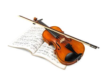 fiddlestick: Viol�n y palillo viol�n puntuaci�n m�s aislado en blanco
