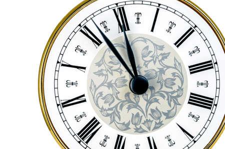 numeros romanos: Reloj cl?sico casi a las doce aislados en fondo blanco