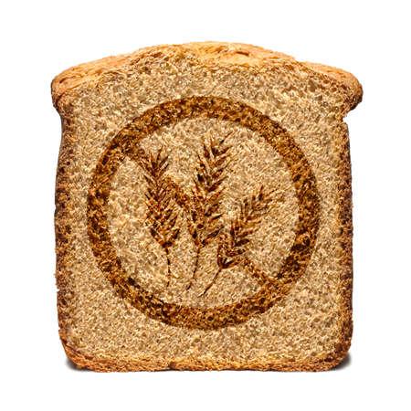 Rebanada de pan marcado con gluten libera el sello aislado