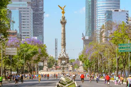 Mexico City, Mexico, 3 februari 2014 zondag bikers in The Angel in Mexico-Stad