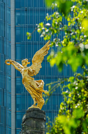 angel tree: Independence Angel, Monumento a la Independencia de Mexico  Stock Photo