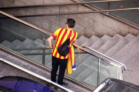 16:00 ロセージョ通り、バルセロナ、2017-09-11?カタルーニャ、スペイン、ヨーロッパ。17:00 独立コールに出席する前に地下鉄で待っている抗議。