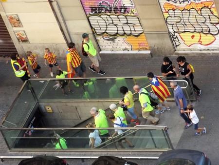 2017-09-11 18:00 ロセージョ通り、バルセロナ、?カタルーニャ、スペイン、ヨーロッパ。17:00 独立後、地下鉄に戻って抗議者を呼び出します。