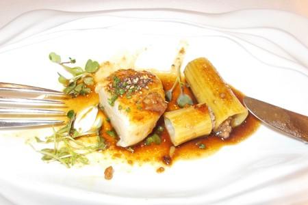 Appetizer of scallops and rigatoni stuffed 免版税图像