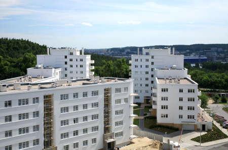 Moderne Mehrfamilienhäuser, neue Wohngebiet in Gdynia, Polen.