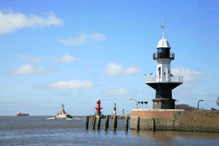 boyas: Los faros - boyas de luz-a entrar en el canal de Kiel  Foto de archivo