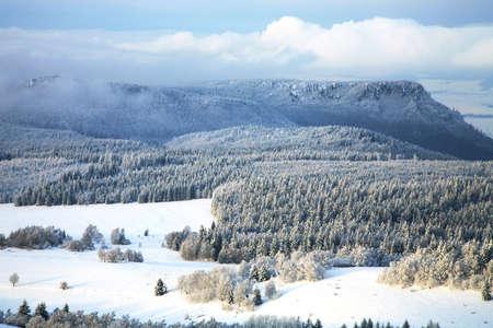 Winter Table Mountain range-  landscape near small, picturesque Pasterka village in Poland. Famous tourist attraction. 版權商用圖片
