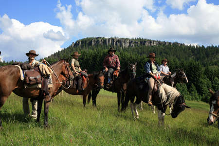 Pasterka, Poland – June 08: A three-day horse ride western style, organized by the stables in Nowa Ruda Overo on 08,2012 in Pasterka, Poland. 版權商用圖片 - 14138177