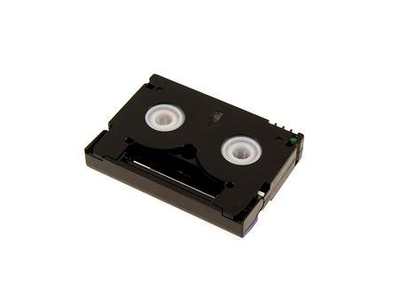 videokassette: Dunkle Videokassette isoliert auf wei�em Hintergrund