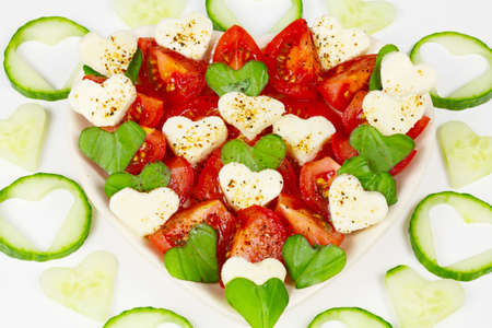 gouged: Salad with tomatoes and cucumbers