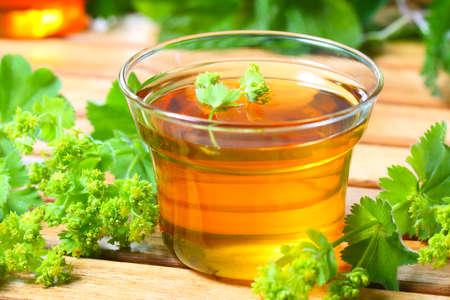 Ladys mantle tea