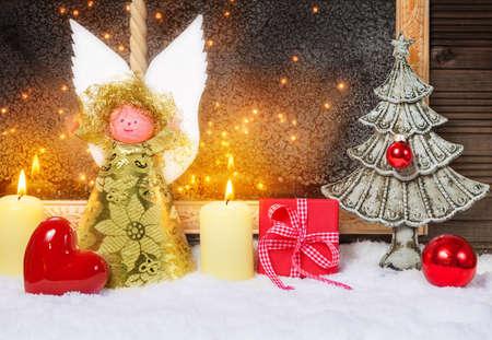 Weihnachtsengel, Herz, Weihnachtsbaum, Geschenk Standard-Bild - 33791324