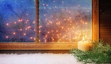 1. Advent, Fensterschmuck Standard-Bild - 33928866