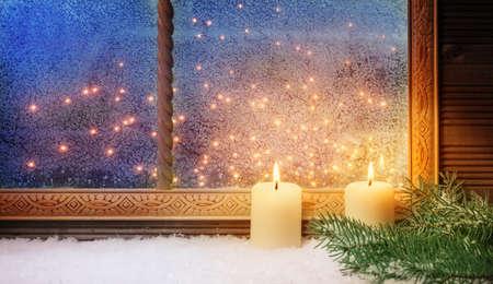 2. Advent, Fensterschmuck Standard-Bild - 34201398