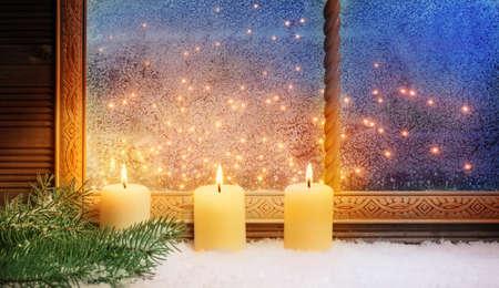 3. Advent, Fensterschmuck Standard-Bild - 34215994