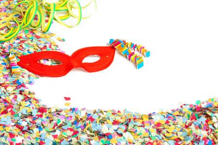 serpentinas: Confeti, serpentinas, m�scara