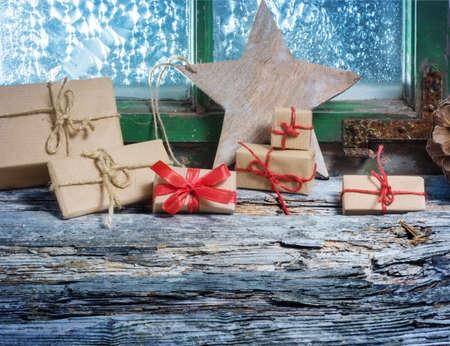 windowpanes: Christmas on the windowsill