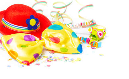 Carnival decoration with carnival hat, bow tie, confetti Imagens