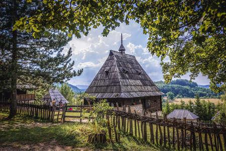 Sirogojno, Serbia - August 12, 2017: Rural house in open air museum in Sirogojno village in Zlatibor area 新闻类图片