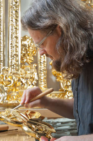 iconostasis: gilding in the traditional way