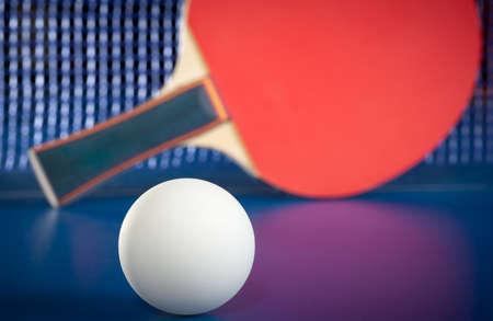 tennis de table: Equipement pour le tennis de table - raquette, balle, table
