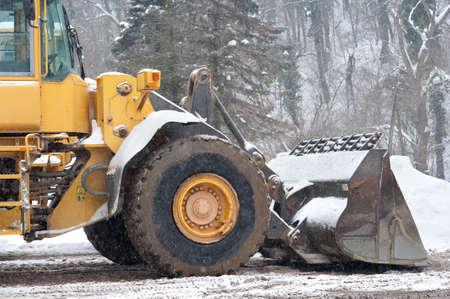 ploegen: Sneeuwruimen voertuig verwijderen van sneeuw