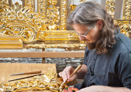 iconostasis: gilding the old master crafts