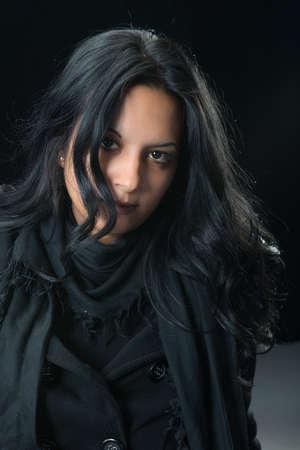 gitana: Retrato mujer gitana grave