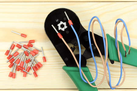 cable cutter: Crimping tool for wires