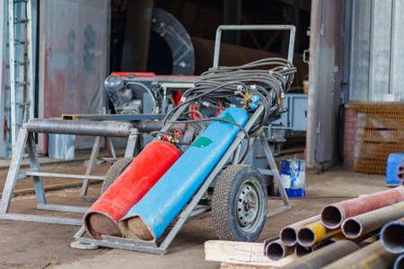 Gas welding equipment in the assembly workshop Standard-Bild