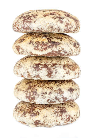 Five whole gingerbread cookies in stack isolated on a white background Standard-Bild