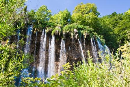 瀑布在森林中。十六湖國家公園。克羅地亞 版權商用圖片