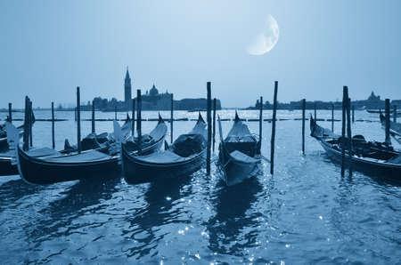 moonlight: paisaje de Venecia, Italia, en la luz de la luna en verano