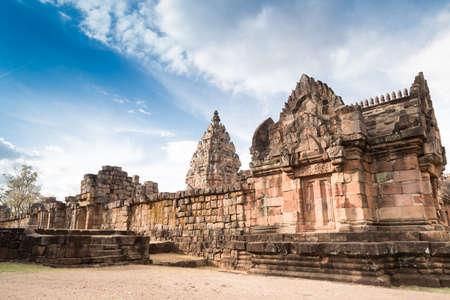 古代遺跡 Phanom ラング歴史 Park.The タイの最も素晴らしいクメール建築サイトの 1 つには、樹齢千年以上が高齢者。