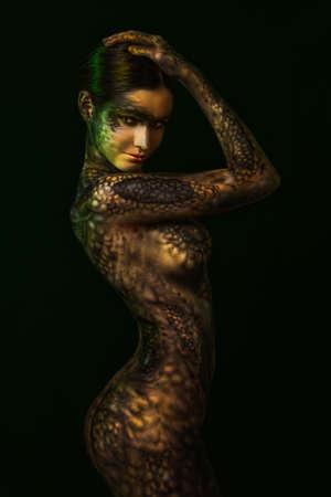 Brunette vrouw met body art Stockfoto
