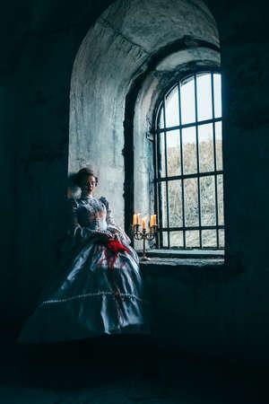 victorian girl: Woman in victorian dress