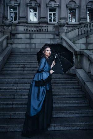 Victorian lady in blue Reklamní fotografie
