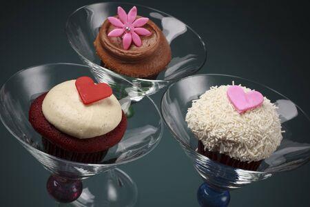 copa martini: Cupcakes de esponjosas de gourmet en vidrio de Martini