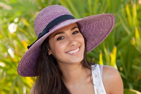 belle brune: Belle jeune femme à South Beach, Miami