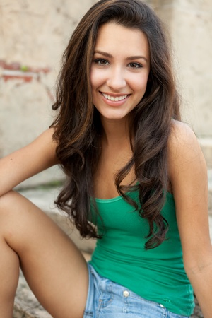 teen girl brown hair: Beautiful young woman outdoor lifestyle