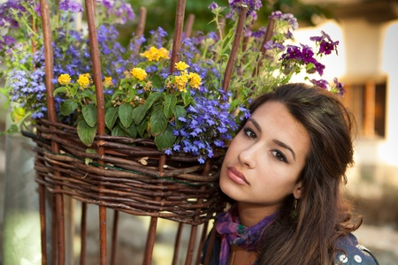 Mooie jonge vrouw in Zwitserland Stockfoto