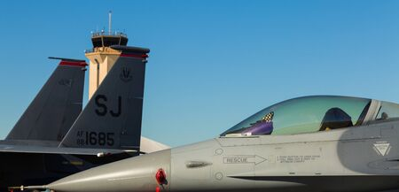 f 16: Close up view of the American military F-16 Fighting Falcon jet