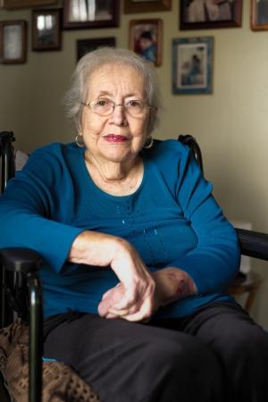 80s adult: Retrato Mayores de edad 80 m�s a�os mujer en un hogar Foto de archivo